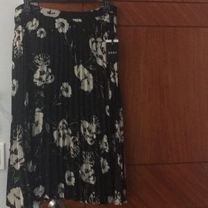 DKNY  womans pleated printed midi skirt  size 16
